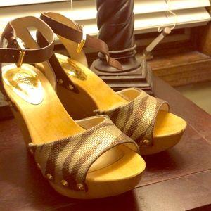 Sandals/ heels